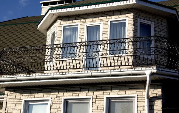 Кованый балкон от Компании ПРОФИ